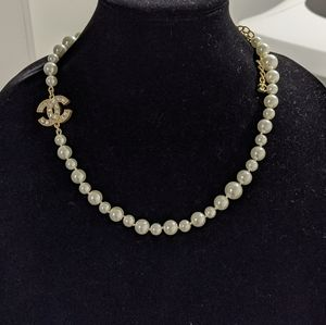 Classic chanel pearl necklace